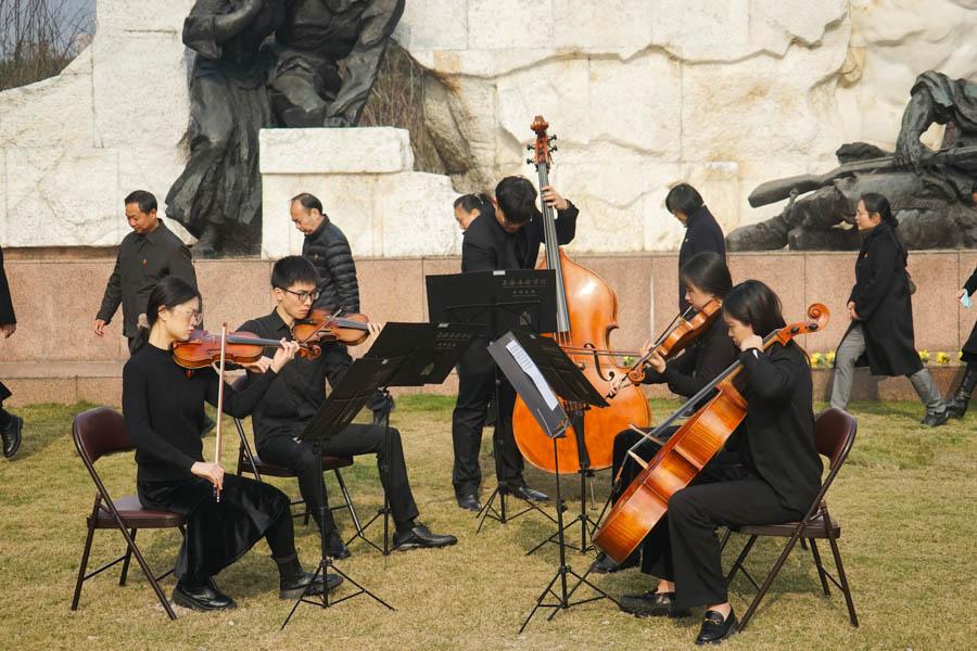 上海龙华烈士陵园以音乐缅怀英烈