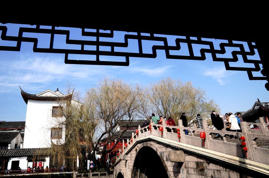 """上海:七寶老街""""年味""""濃"""