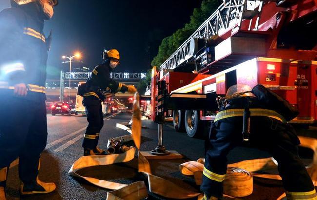 上海举行大型商业综合体消防实战演练