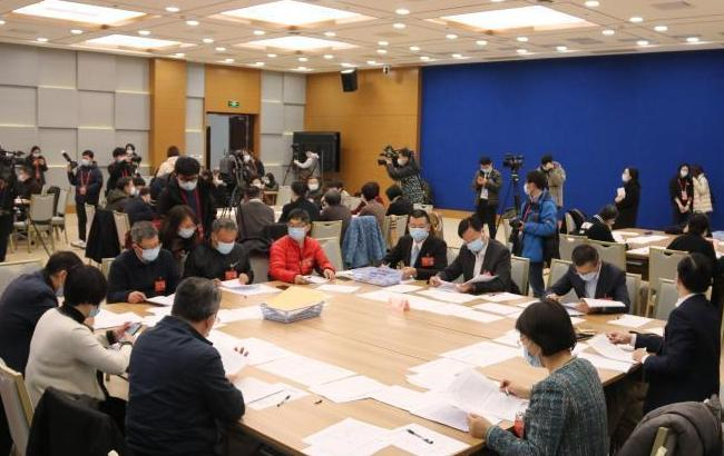 2021上海两会 | 政协提案委员会集中开展提案审查