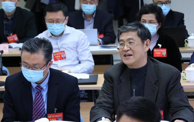 """直击上海""""两会""""政协委员分组讨论现场"""