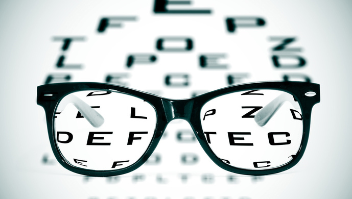 孩子说看不清了才换眼镜?专家:太迟了