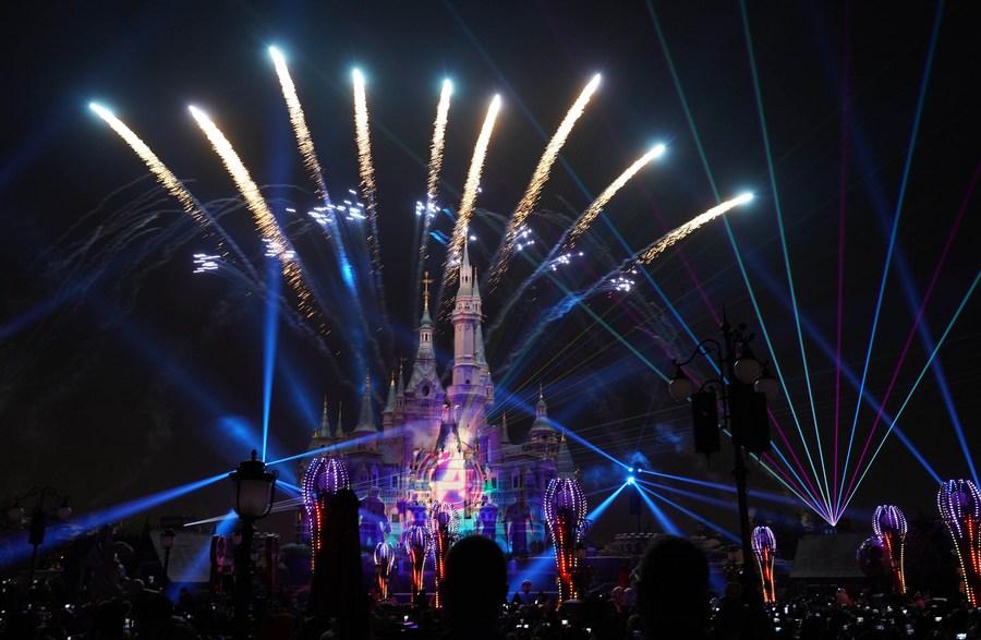 """上海迪士尼開工10周年:""""米老鼠""""在中國內地茁壯成長"""