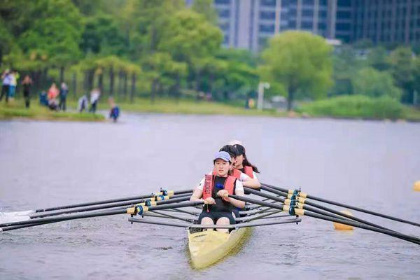 长三角赛艇爱好者齐聚上海宝山美兰湖